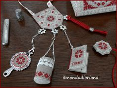 Look at this wonderful embroidered sewing set. Small Cross Stitch, Cross Stitch Finishing, Modern Cross Stitch, Counted Cross Stitch Patterns, Cross Stitch Embroidery, Embroidery Patterns, Hand Embroidery, Needlepoint Kits, Christmas Embroidery