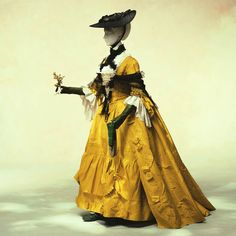 Robe a La Francaise, with headdress, and shawl. 1760. Kyoto Costume Institute.