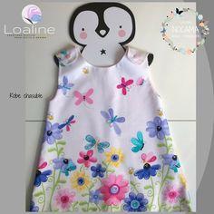 Robe chasuble, enfant, en coton blanc à imprimés fleurs et papillons Creations, Baby, Summer Dresses, Articles, Fashion, Jumper Dress, White Cotton, Papillons, Child