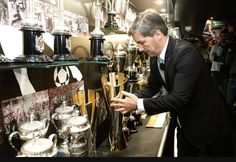 Sporting CP's President, Dr Bruno De Carvalho places the 100th trophy won by the Futsal Team -the 2nd Taça da Liga Trophy- in the Club's Museum. They're never tired of winning!!