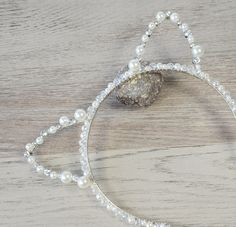This sexy glamour cat ears hair band, party headwear accessory is great for Halloween, fancy dress, Christmas party, birthday party or to your everyday look! This kitty ears headband is made from a crystals and white beads. Cat Ears Headband, Alice Band, Ear Hair, Christmas Costumes, White Beads, Hair Band, Ariana Grande, Art Pieces, Hair Accessories