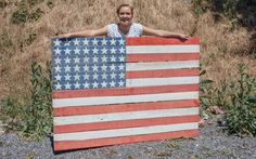 Apple pie, fireworks, suntans, and BBQs—we love Fourth of July celebrations. This American Flag Pallet Sign is the perfect addition to any July 4th party.