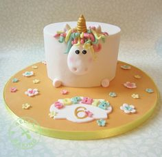 Adorable little unicorn cake found on cake wrecks sweet Sunday edition (macaroon tower pastel) Cute Cakes, Pretty Cakes, Beautiful Cakes, Amazing Cakes, Cake Wrecks, Cookies Decorados, Decoration Patisserie, Gateaux Cake, Novelty Cakes
