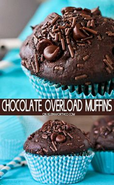 Chocolate Overload Muffins are a double chocolate muffin recipe loaded with choc. Chocolate Overload Muffins are a double chocolate muffin recipe loaded with chocolate chunks, chocolate chips and chocolate sprinkles. Chocolate Sprinkles, Chocolate Chips, Chocolate Hazelnut, Homemade Chocolate, Chocolate Recipes, Double Chocolate Chip Muffins, Yummy Treats, Yummy Food, Cheesecake