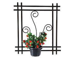 Art Fer, Garden Deco, Iron Art, Tiny House Plans, Plant Wall, Welding Projects, Bottle Holders, Plant Holders, Yard Art