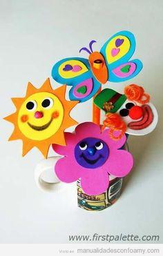 Sol, flor, mariposa y payaso hechos con foamy