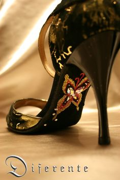 This GEM SOLE for Japanese tango dancer Takami. I was design of the left and right are different.This is right side.