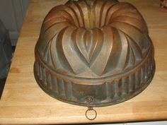 "LARGE ANTIQUE COPPER MOLD..10.5"" Dovetail Bundt Cake Jelly Pudding w/Tin Lined"