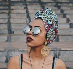 Foulard sur cheveux afro crépus naturels