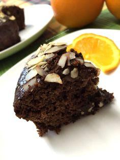 BIZCOCHO DE NARANJA Y CHOCOLATE |100 gr harina de avena sabor Nutchoc 5 claras 1 naranja y media 7 onzas de chocolate negro sin azúcar 4 cucharillas de cacao en polvo levadura almendras