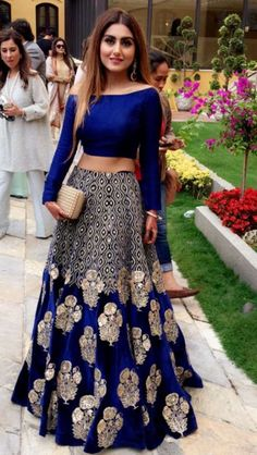 Browse a wide range of 25 Bollywood Fashion images and find high quality and professional pictures you can use for free. You can find photos of 25 Bollywood Fashion Indian Lehenga, Lehenga Designs, Indian Attire, Indian Wear, Indian Bridal Wear, Pakistani Bridal, Moda India, Indische Sarees, Party Kleidung