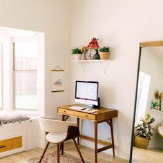beautiful minimalist home office ideas you must know 20 Home Office Space, Home Office Design, Home Office Decor, House Design, Office Ideas, Home Desk, Desk In Living Room, Bedroom Desk, Metal Wood