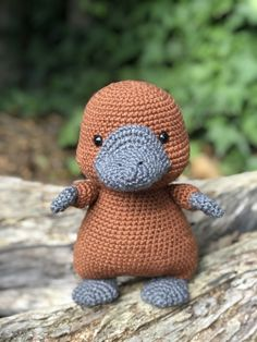 has the biggest collection of Amigurumi patterns. Click and. : Amigurumipatterns… has the biggest collection of Amigurumi patterns. Click and discover Phil Youngplatypus! Amigurumi Giraffe, Crochet Animal Amigurumi, Crochet Animal Patterns, Stuffed Animal Patterns, Amigurumi Patterns, Amigurumi Doll, Crochet Animals, Crochet Dolls, Amigurumi Tutorial