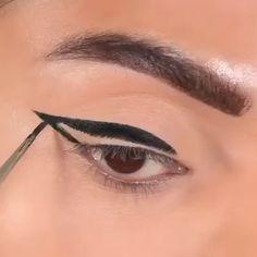 Best tips to get the best eyeliner! What is Makeup ? What's Makeup ? In general, what is makeup ? Eyeliner Hacks, Eyebrow Makeup Tips, Eyeliner Styles, Makeup Eye Looks, Eye Makeup Art, No Eyeliner Makeup, Blue Eye Makeup, Pencil Eyeliner, Skin Makeup