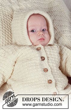 "Lemon Souffle / DROPS Baby - DROPS jacket with or without hood in textured pattern, pants and socks in ""BabyMerino"". Baby Knitting Free, Baby Cardigan Knitting Pattern Free, Kids Knitting Patterns, Knitting For Kids, Baby Patterns, Drops Design, Baby Set, Cardigan Bebe, Drops Baby"