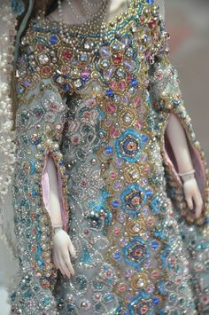 Detail of the Snow Maiden's costume! (wow) by Marina Bychkova/Enchanted Dolls