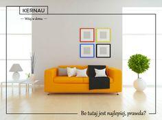 Powieszenie obrazu na ścianie :). Myślisz - prosta sprawa! Niekoniecznie 😲! Jak więc wieszać obrazy na ścianie nad kanapą, by całość miała spójny charakter? Mamy dla Was jedną z wielu propozycji :). Jeśli obrazy są utrzymane w jednej gamie kolorystycznej, warto wprowadzić dodatkowe barwy do naszej kompozycji poprzez zastosowanie ram w różnych kolorach. 🌈 To co, czas na odrobinę świeżości w domowym wnętrzu :)?