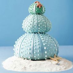 Another really inventive beach themed wedding cake --- sea urchin stacks! Not sure if this is crazy or awesome.