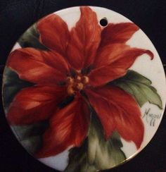 A Customer's Guide To Herbal Dietary Supplements On The Net Holiday Poinsettia Christmas China, Christmas Art, Christmas Themes, China Painting, Tole Painting, Ceramic Painting, Painted Christmas Ornaments, Hand Painted Ornaments, China Art