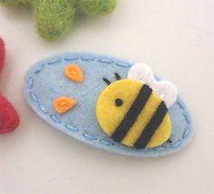 NO SLIP Wool felt hair clip -Bumble bee -mini -pale blue