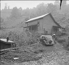 Raven Red Ash Coal Company, No. Local History, Us History, Women In History, American History, Appalachian People, Appalachian Mountains, Old Pictures, Old Photos, Vintage Photographs