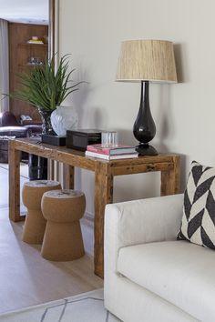 Uma decoração simples e elegante, com predominância do bege: https://www.casadevalentina.com.br/blog/OPEN%20HOUSE%20%7C%20ANTHONY%20E%20JULIANA --------------------------- A simple and elegant décor, with a predominance of beige: https://www.casadevalentina.com.br/blog/OPEN%20HOUSE%20%7C%20ANTHONY%20E%20JULIANA