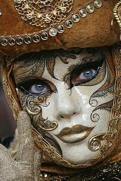 Mask - venetian C - Venetian Carnival Masks, Carnival Of Venice, Venetian Masquerade, Masquerade Ball, Venetian Costumes, Venice Carnivale, Venice Mask, Costume Venitien, Beautiful Mask