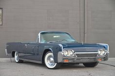 1961 Lincoln Continental 4-DR Convertible