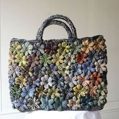 "Best 11 Tote bag, hand bag Sophie Digard – hand made raffia – ""Freesias – SkillOfKing. Diy Crochet And Knitting, Form Crochet, Crochet Motif, Crochet Clothes, Crochet Patterns, Loom Knitting, Diy Accessoires, Diy Tote Bag, Crochet Decoration"