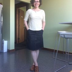 Happy bike to work day! (I did not bike in this outfit but changed when I got to work!) Here we have my main stay - the lark tee. Also miss mini skirt and extremely white legs. Scored these old clogs at the thrift years ago. #mmm17  #larktee  #mossskirt  #grainlinestudiowhatmasewsmossskirt,grainlinestudio,mmm17,larktee