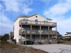 """Spacious, well equipped and beautifully furnished vacation home in Nags Head. """"Oinkers Away"""" will have your family and friends vacationing in style! ..."""