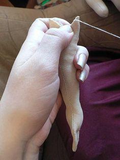 Зашиваем верх кисти
