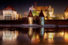 Cool things to do in Poland. The Teutonic Castle in the village of Malbork.