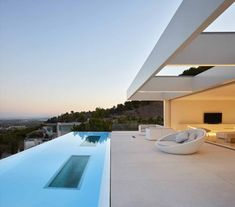 Modern House Design & Architecture : Quarry House by Ramon Esteve Estudio Moderne Pools, Shabby Chic Homes, House Goals, Beach House Decor, Pool Designs, Modern House Design, Exterior Design, Future House, Interior Architecture