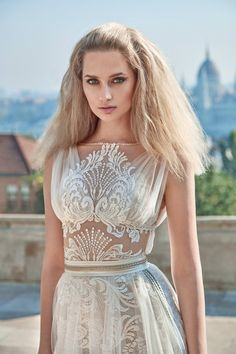 Two Piece Wedding Dress: http://www.confettidaydreams.com/two-piece-wedding-dress-bridal-separates/