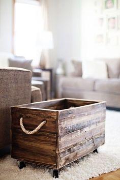 Úložné prostory z dřevěných bedýnek