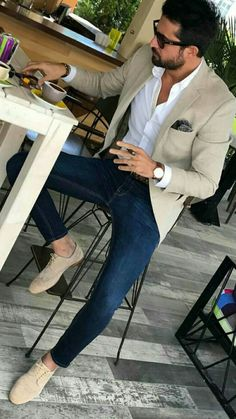 Men's Beige Blazer, Navy and White Gingham Dress Shirt, Blue Skinny Jeans, Brown. - Men's fashion, style shapes and clothing tips Mens Fashion Blazer, Suit Fashion, Mens Smart Casual Fashion, Men Blazer, Smart Casual Men Work, Beige Blazer Outfit, Trendy Fashion, Blazer Outfits Men, Smart Casual Menswear Summer