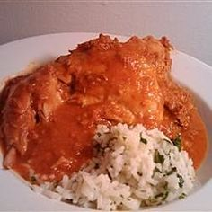 Chicken with Red Chile Sauce and Sausage (Pollo con Salsa Rojo y Chorizo) Chorizo Recipes, Mexican Food Recipes, Spanish Recipes, Spanish Food, Fresco, Beef Stew Meat, Boneless Skinless Chicken, Red Sauce, Chicken Recipes