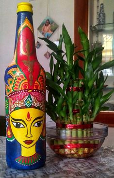 Glass Painting Designs, Dot Art Painting, Pottery Painting, Diy Painting, Liquor Bottle Crafts, Wine Bottle Art, Diy Bottle, Painted Glass Bottles, Empty Bottles