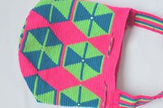 WAYUU BAG – Small-Sized Mochila with SWAROVSKI Crystals. Handwoven by a woman from the Wayuu Tribe. Pink & Hexagons. AVAILABLE AT www.colombiart.co