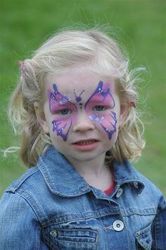 facepaint  geschminkt door Annemiek  schminkenisleuk.nl  snelle vlinder Facepaint Ideas, Butterfly, Painting, Dolls, Nice, Children, Fun Makeup, Face Paintings, Carnival