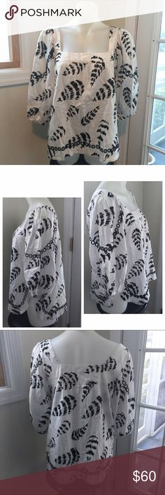 LA VI Cutout Abstract Modern Vintage Blouse Practically Unworn! This top from LA VI has a square front & back neckline, square peekaboo cutout details on the sleeves and along the hem, rounded side slits, & all over brushstroke abstract black & white print. Women's Size Medium 💕 Measurements: Bust   19 in. Shoulder to Hem 23.5 in. Armpit to Hem 15.5 in. LA VI Tops Blouses