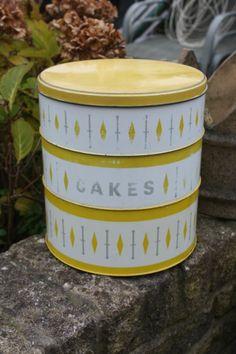 Vintage Stacking Yellow White Patterned Cake Storage Tin