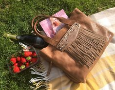 Making the most of the sunshine and taking our Chalrose bag on a picnic  #chalrose #bags #handbags #picnicday #summer #greatbritishsummer #picnic #style