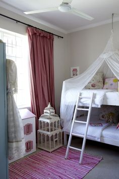 I loved forts as a kid...what a fun one for the girls room