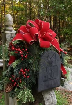 Christmas mailbox decor