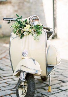 Piaggio Vespa, Lambretta, Vespa Ape, Vespa Scooters, Scooter Scooter, Vintage Vespa, Vintage Italy, Vespa Retro, Wedding Bible