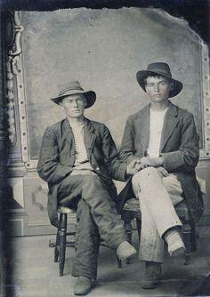 Vintage Photographs, Vintage Photos, Lgbt Couples, Male Poses, Gay Couple, Man Photo, Victorian Era, Vintage Men, 19th Century
