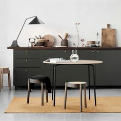 Combine the elegance of Parisien restaurant dining with the laid-back atmosphere of casual dining with the Camp Table from Northern. Diy Home Furniture, Office Furniture Design, Home Office Design, Office Decor, Camping Table, Camping Gear, Küchen Design, Dining Room Table, Kitchen Tables