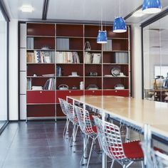 USM Modular Furniture. Contemporary bookshelf custom design to meet the needs of your space. Made in Switzerland www.softsquare.com